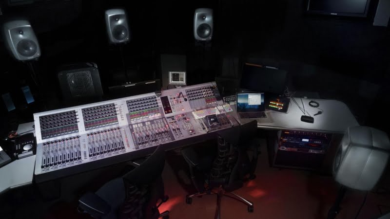 picking the perfect studio monitor for your budget la media. Black Bedroom Furniture Sets. Home Design Ideas