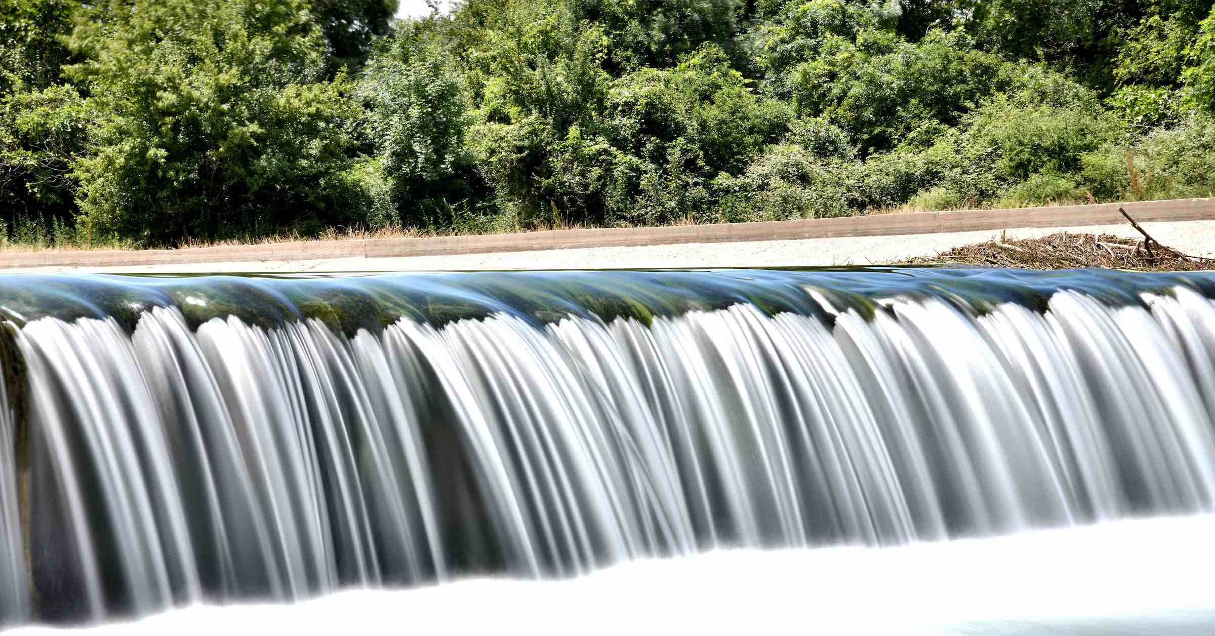 Time-lapse photo of water cascades
